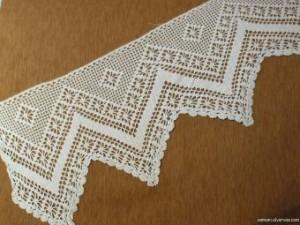 Фрагмент филейного вязания для оформления края изделия