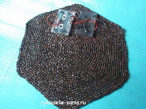 Плетение ковриков из полосок ткани английской булавкой