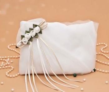 сумочка для невесты с маленькими розочками