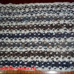 Коврик из разноцветных полосок ткани