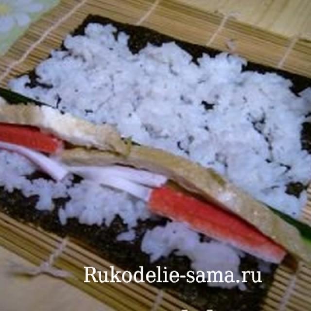 Ингредиенты на листе для суши