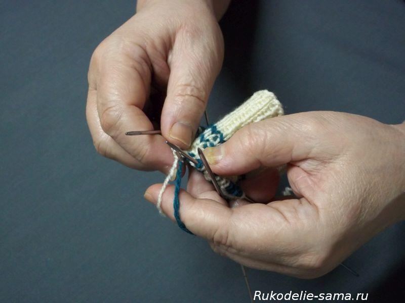 Вязание варежек узором-013