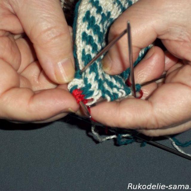 Вязание варежек узором-023