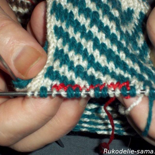 Вязание варежек узором-024