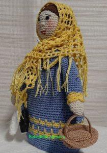 кукла-помощница с корзинкой