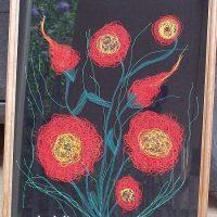 Филумика — картина из ниток и мелких разноцветных лоскутков